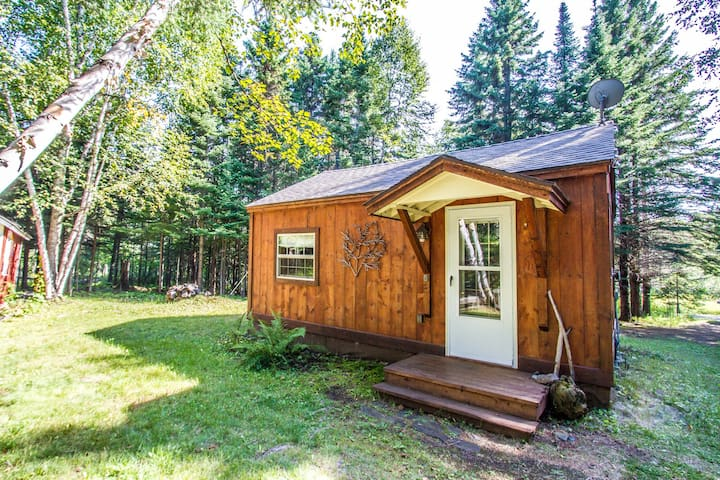 Hovland Pines is a private and lovely cabin perfect for a retreat in Hovland, MN