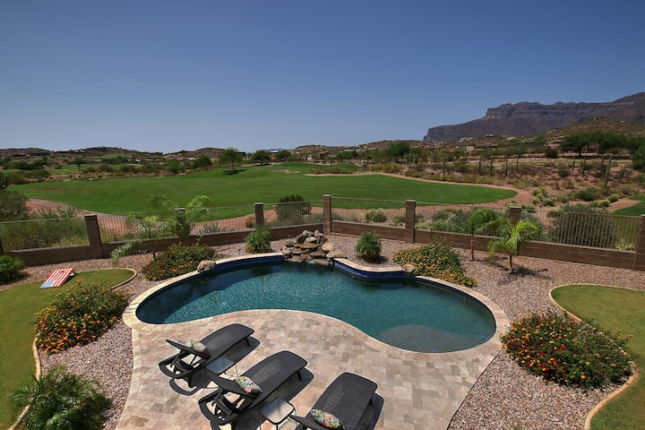 Gorgous Golf Course Home in Gold Canyon