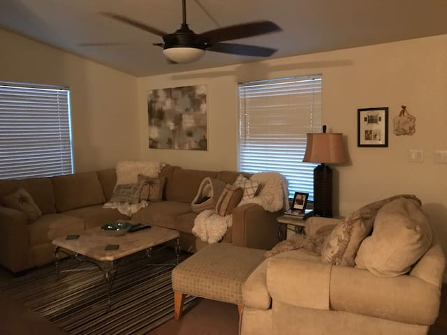 2 rooms for rent for Coachella! - Cathedral City - Dom