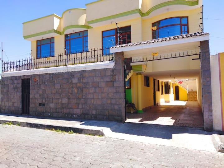 Planta alta completa 5 habitaciones Latacunga