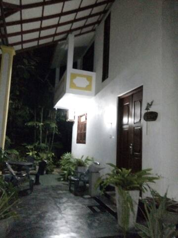 Devika Villa Akurala - akurala hikkaduwa