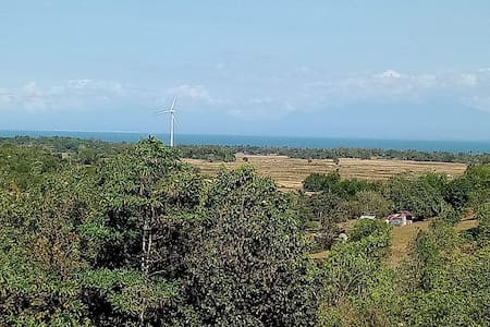 Guimaras City Escape Accomodation w/ Windmill View