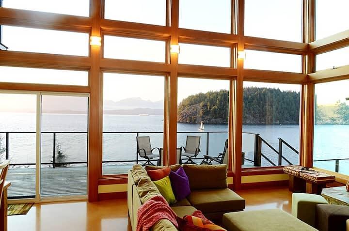Eastman Waterfront Retreat on Bowen