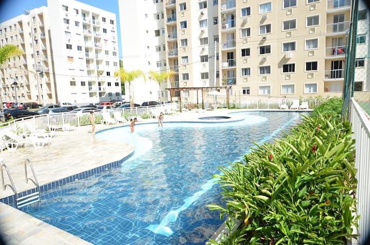 Segurança 24h, piscina, wifi e ar condicionado