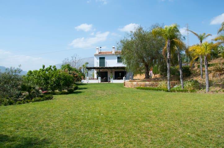 Casa con encanto en el Valle del Guadalhorce - Álora - House