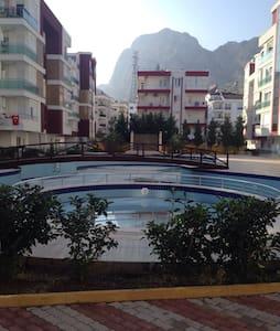Antalya konyaaltında 2+1 full eşyalı lüks sitede