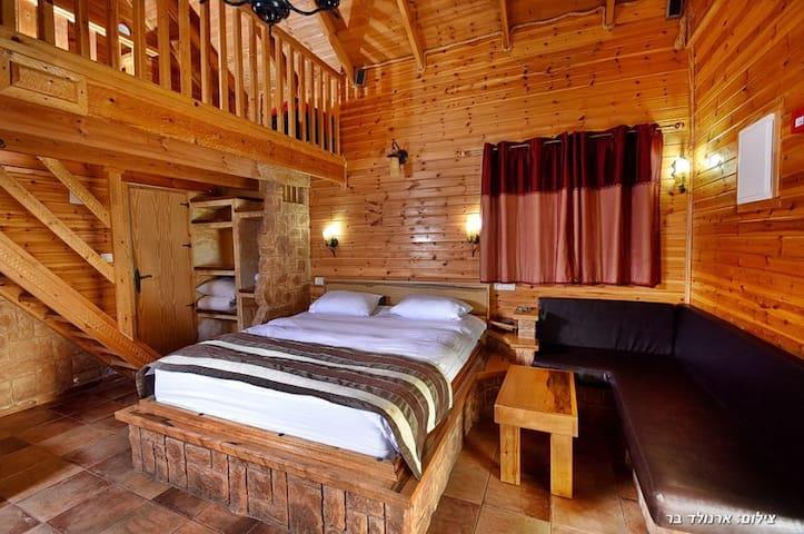 Bustan Bakfar - fig cabin