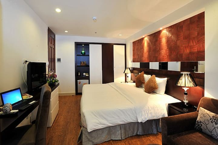 Deluxe city view at Silver Street - Hanoi - Bed & Breakfast