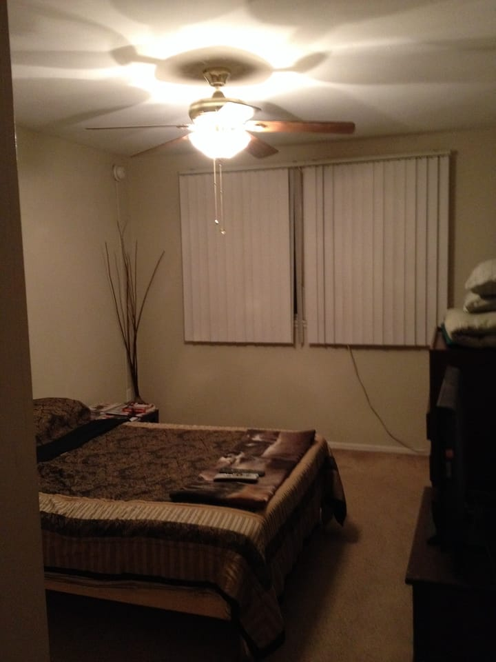 A great spacious & cozy large room
