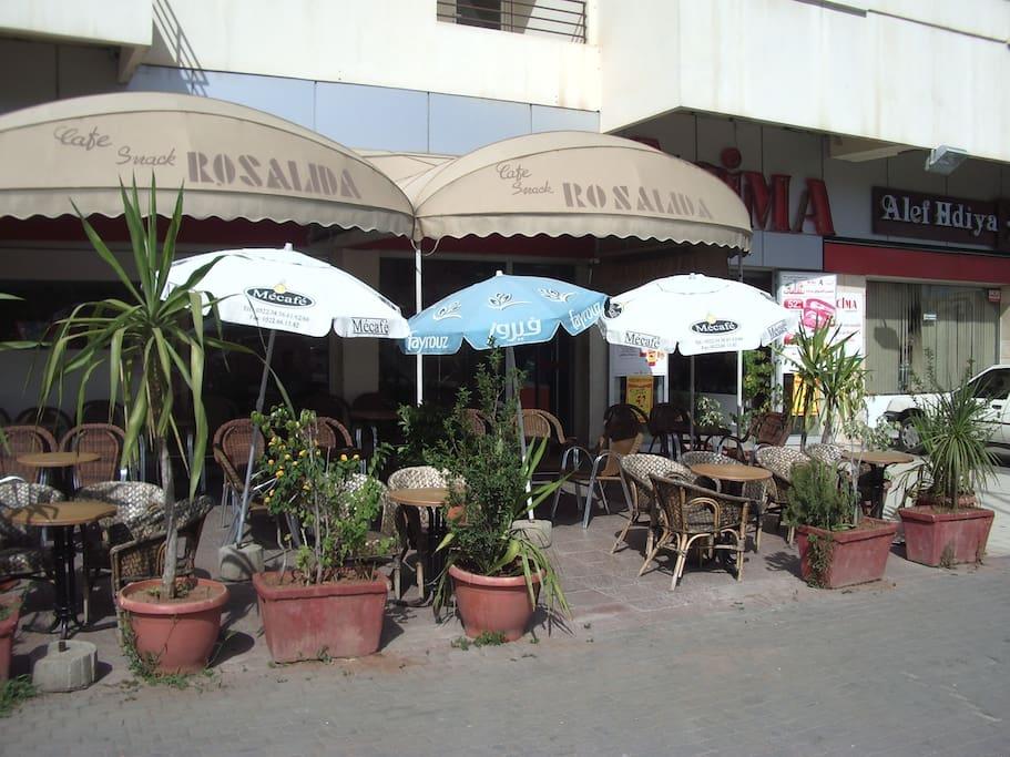Cafe w Wifi... Market, Taxi, Money Exchange...around the corner