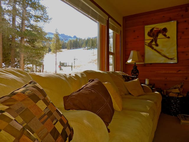 Best Ski-in/Ski-out Kirkwood Condo - Kirkwood - Appartement