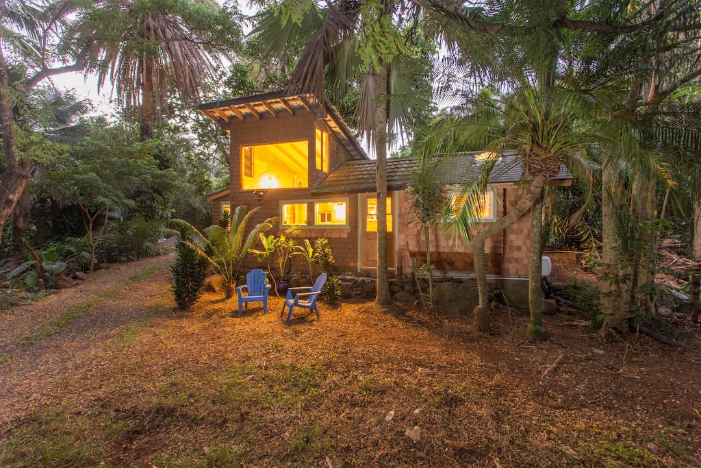 Renovated 1930's cottage....ADORABLE.....on a BEAUTIFUL, lush, gated property.