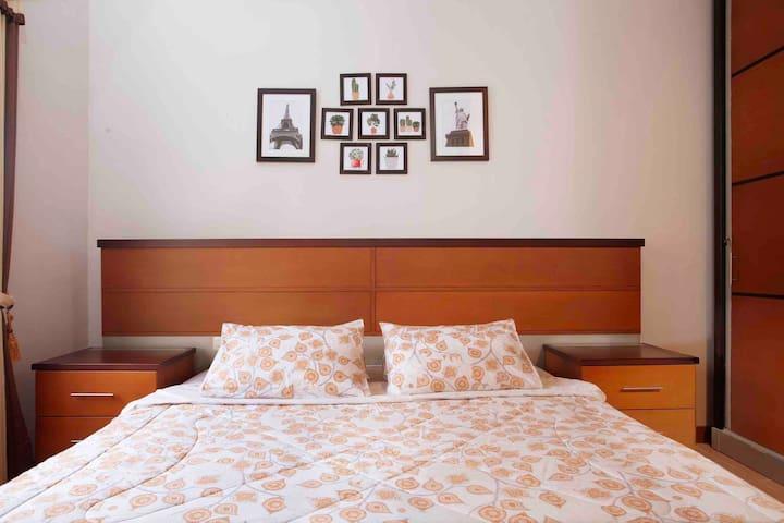 Hening House - 5 Bedrooms