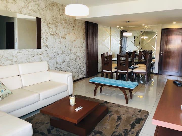 Elegante Apartamento en Equipetrol