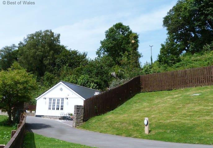 Llety Tyn y Coed - Cardiff - House