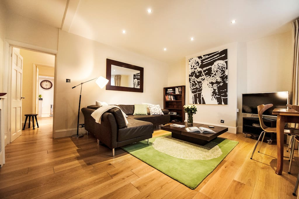 view as you walk into the flat showing solid oak floors throughout