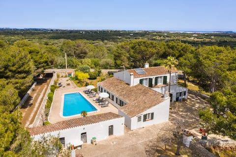 Binisafuet Nou. Campo y playa Menorca