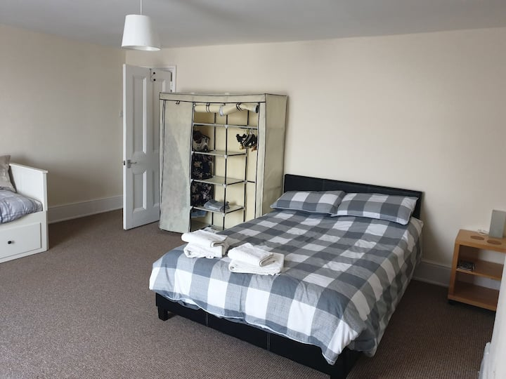 Spacious double room in bexhill