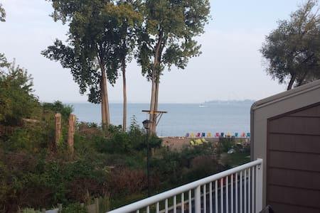 Lake Erie Waterfront Condo - Sandusky - Lakás