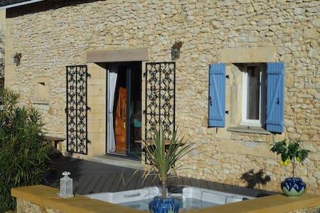 Maison familiale et chaleureuse - Le Buisson-de-Cadouin - House