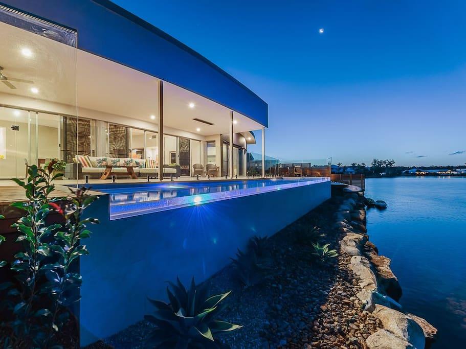 Lakefront Terrace & Pool