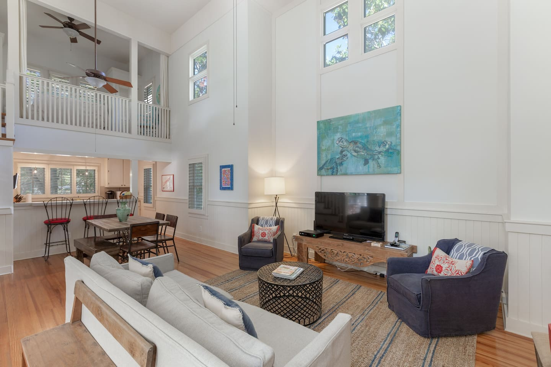 Wonderful Seaside Cottage- open living area, comfortable seating