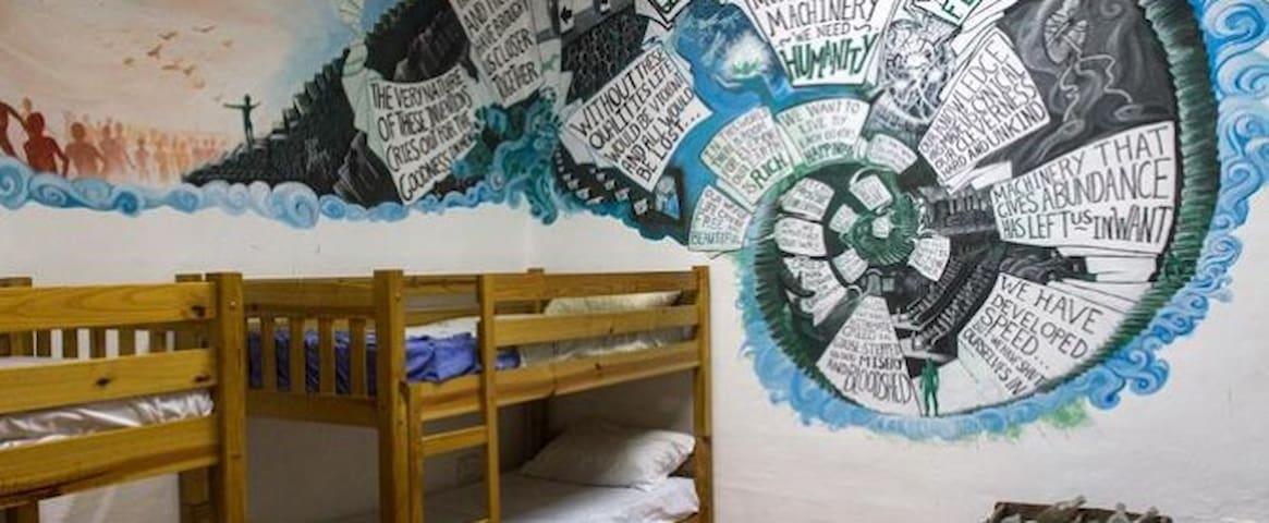 The Speech - Hostel Jones - Tas-Sliema - Villa