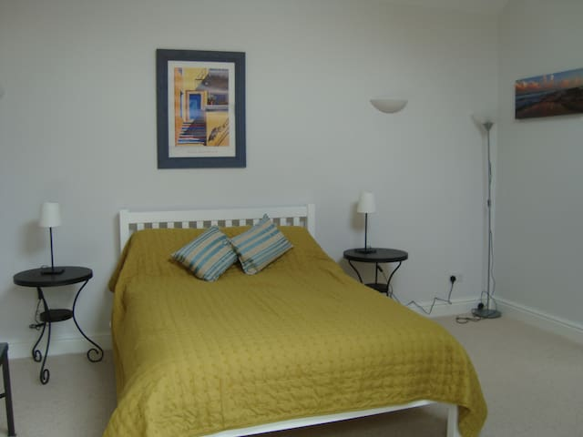 Comfortable Winchester apartment - Winchester - Byt
