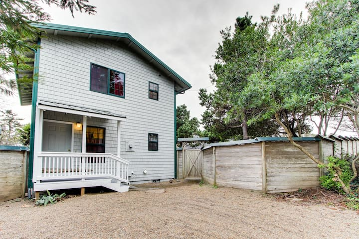 Dog-friendly oceanview home w/ large fenced yard - walk to the beach!