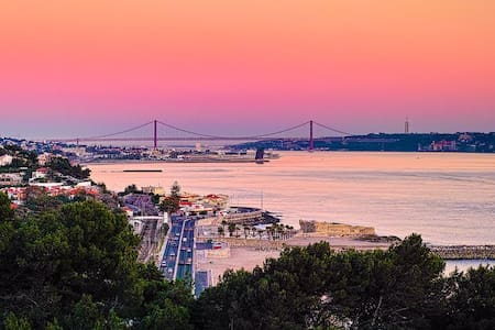 Splendid view of the Tagus River! - Lisbon