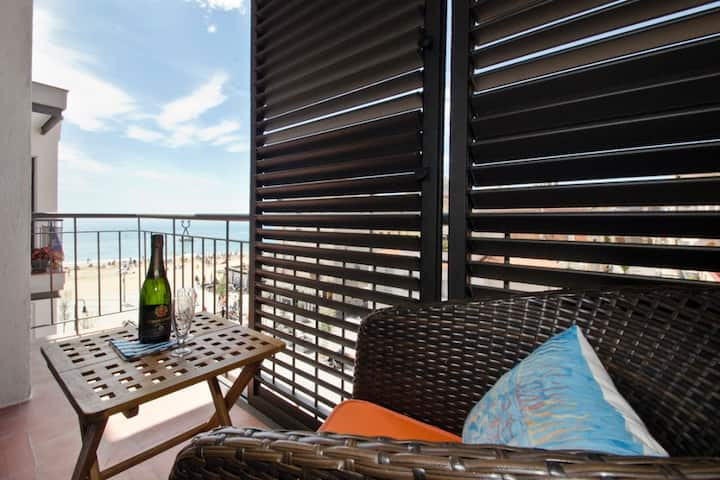 """ Cal Xillo"" luxury apartment at beach side."