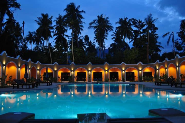 哈希亚度假酒店园景泳池景大床房3