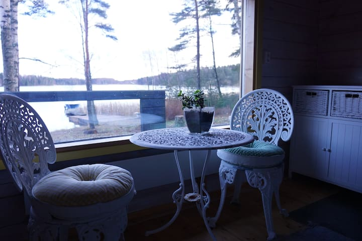 A small cottage by the sea - Kirkkonummi - Бунгало