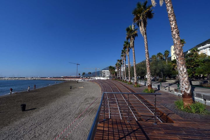 SEA VIEW in the city center
