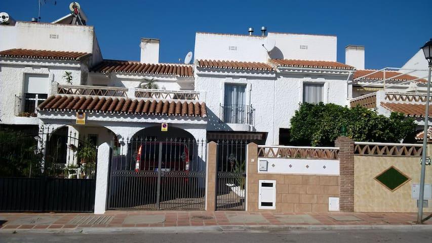 Vermiete zwei wunderschöne Ferienzimmer fuer 2 Per - Torre del Mar - Stadswoning
