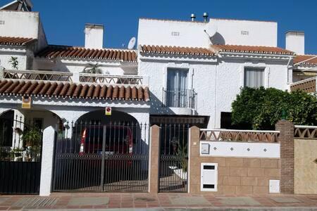 Vermiete zwei wunderschöne Ferienzimmer fuer 2 Per - Torre del Mar - Townhouse