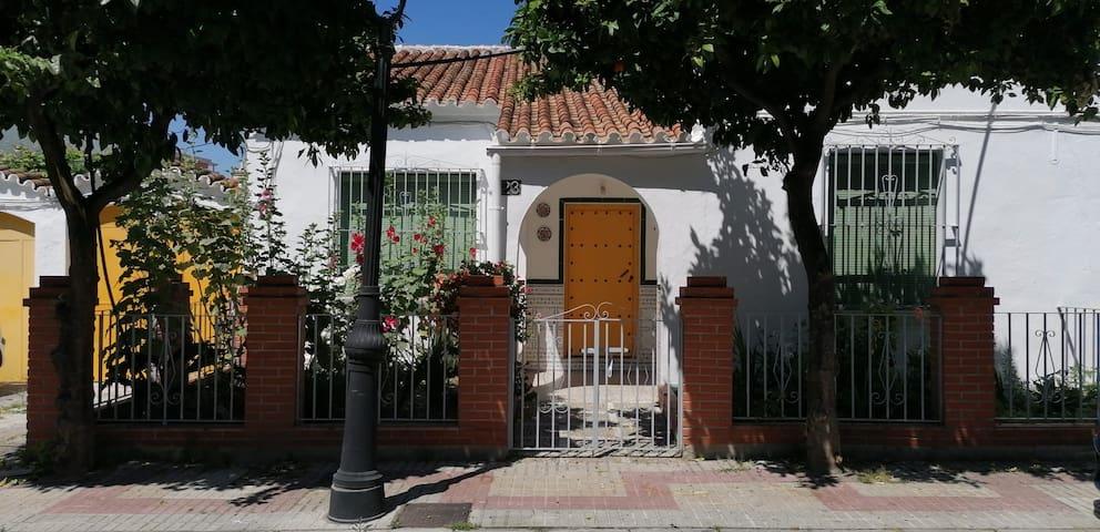 :) Tu casa en la Costa del Sol. ¡Ven a Estepona!
