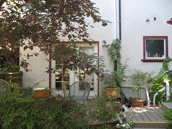 Garden Apartment in Berkeley