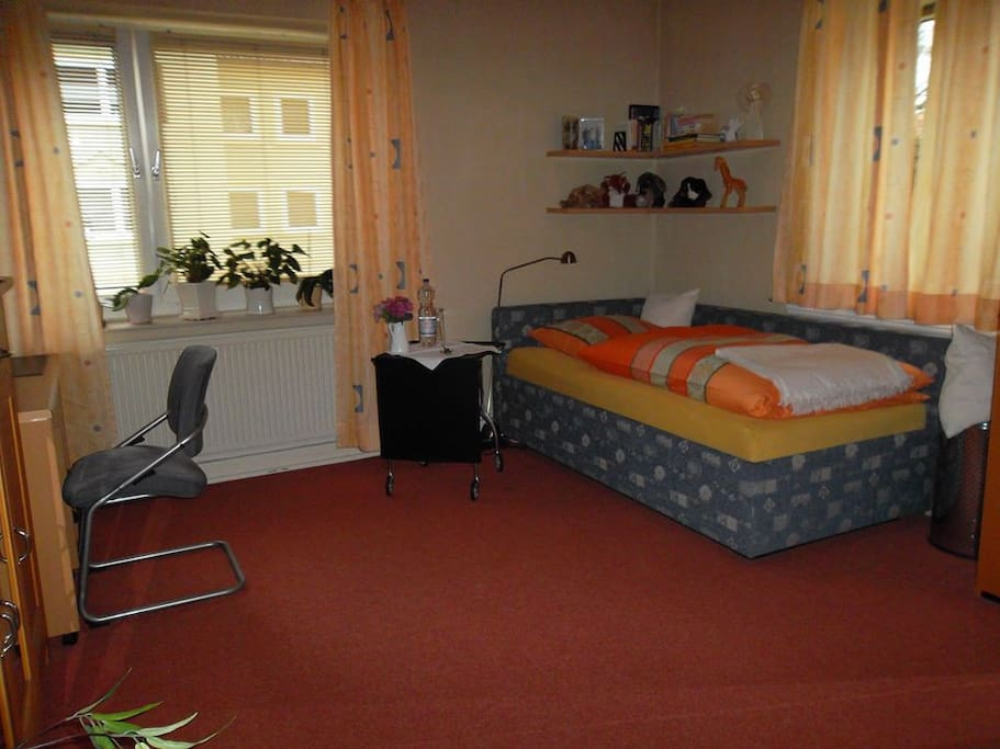 Sch nes zimmer in hannover bult appartements louer for Zimmer hannover