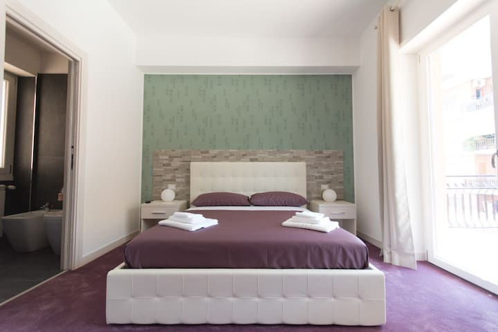 Guesthouse Park Pines - Rom - Bed & Breakfast