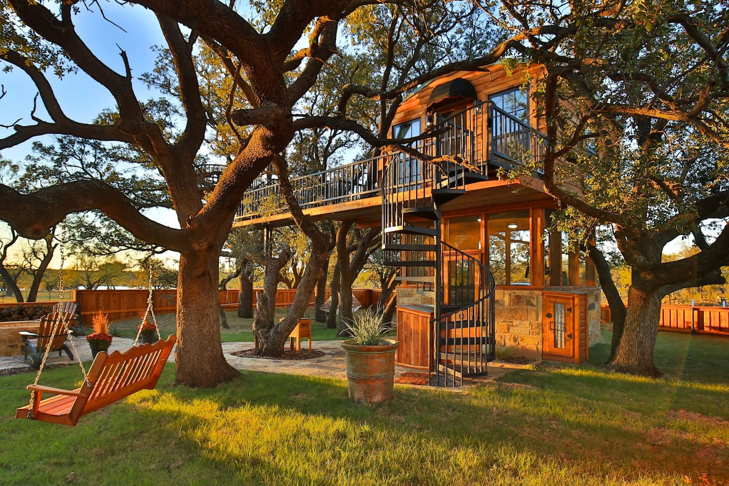 The front yard of the treehouse
