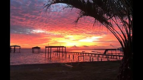 Beautiful waterfront home on Arnica Bay OB Alabama