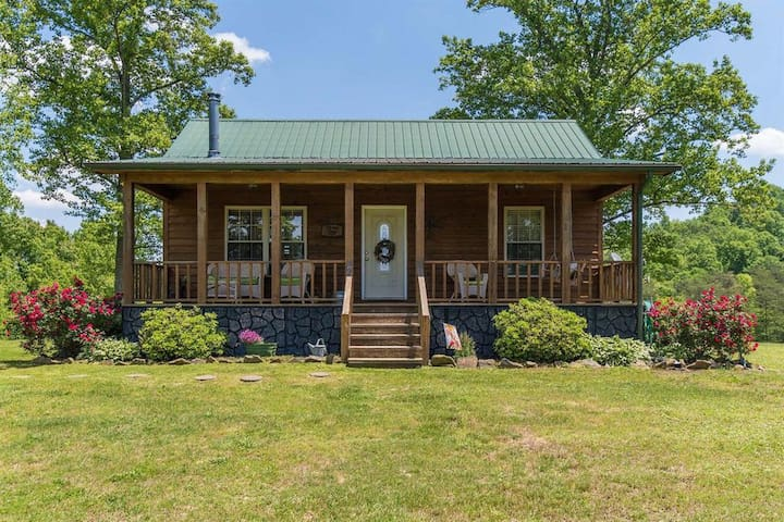 Hot Tub, WiFi, Pet-Friendly - Family Cabin - Heavenly Hideaway - Red River Gorge