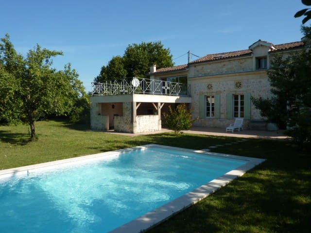 Vineyard House - Civrac-en-Médoc - House