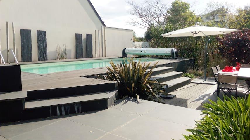 Belle villa avec piscine, idéale pour famille