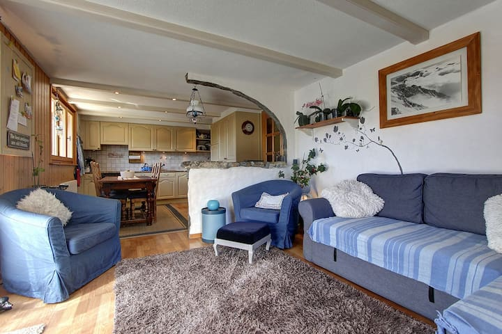 Homely split appt in ideal location