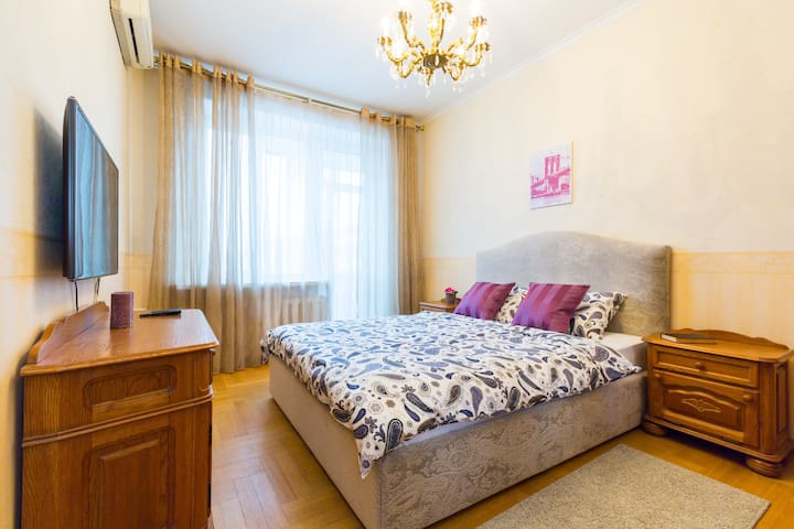🔑💎 🏠Spacious 3 rooms apt on Patriarch Ponds