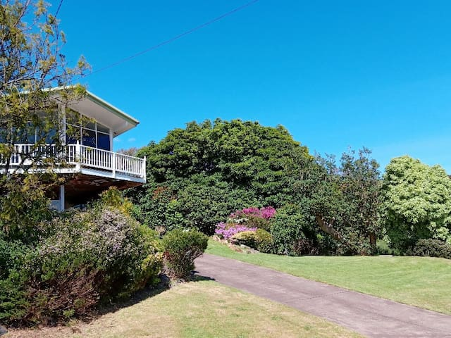Self Contained Unit 10mins to beach