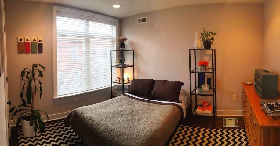 Cozy room & your best tour guides!