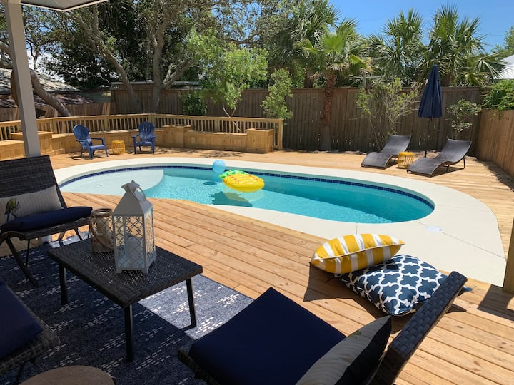 FRI-YAY BEACH HOUSE-New renovation w private pool!